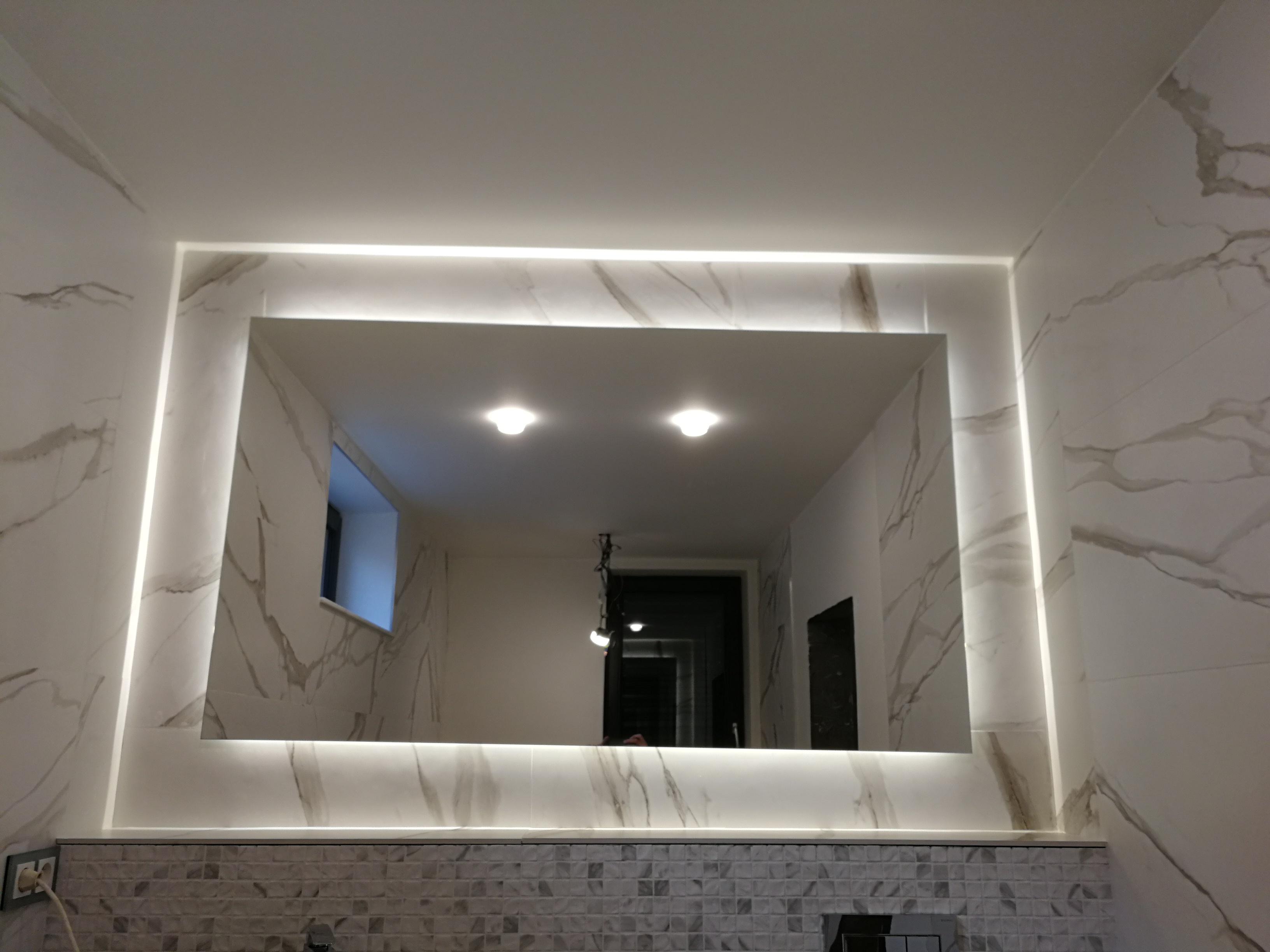 LED zrkadlo ESMIRA